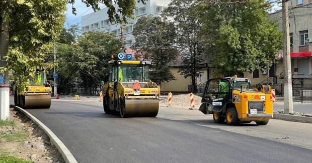 Дорогу возле Центрального автовокзала в Симферополе уже отремонтировали. ФОТО