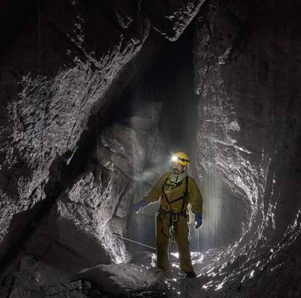 Российские спелеологи исследовали пещеры Сочи