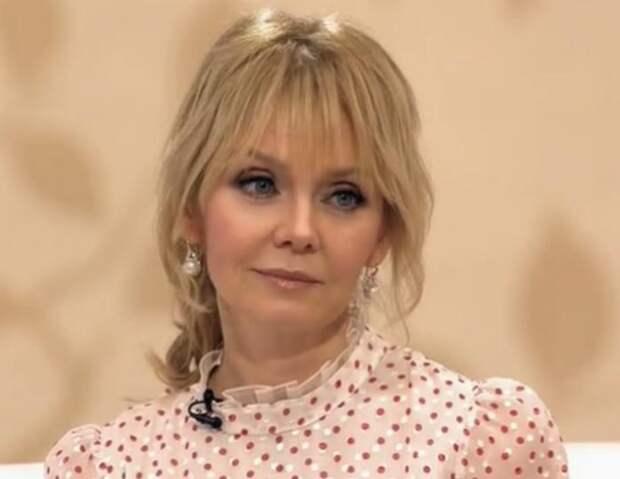 «Старушка заигралась в Барби» : Поклонники полностью раскритиковали новый образ Валерии
