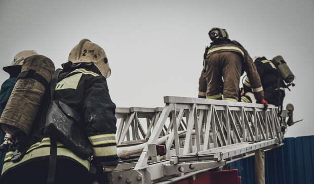 ВОренбурге спасенный пожарными мужчина отказался ехать вбольницу