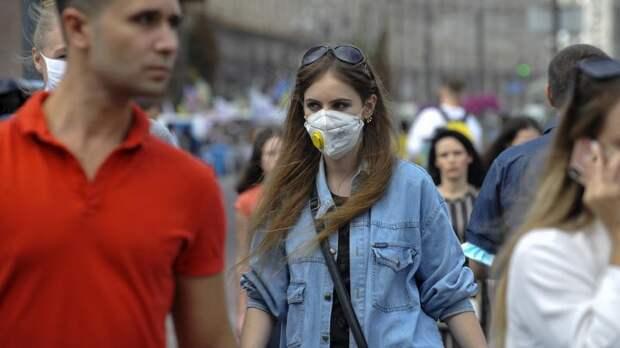 В Петербурге впервые с начала марта выявили почти тысячу заболевших COVID-19 за сутки