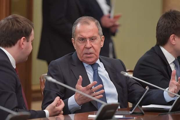 Запад удвоил усилия по сдерживанию развития России, заявил Лавров