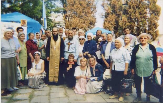 Православных пенсионеров поставили перед выбором – пожизненный номер или голодная смерть