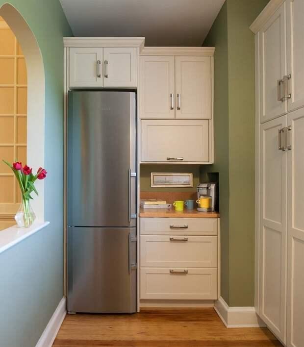Если балкон у вас рядом с кухней - вынесите туда холодильник. Да, придется немного побегать, но зато у вас на кухне будет гораздо больше места Фабрика идей, балкон, дизайн, идеи, маленький, экономия пространства