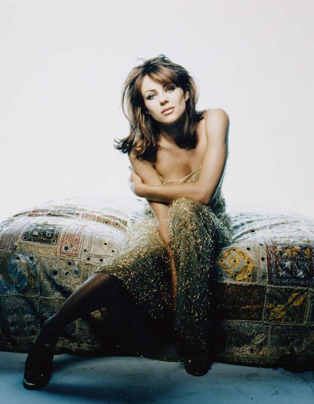 Элизабет Херли (Elizabeth Hurley) в фотосессии Антуана Вергла (Antoine Verglas) (1998), фото 4