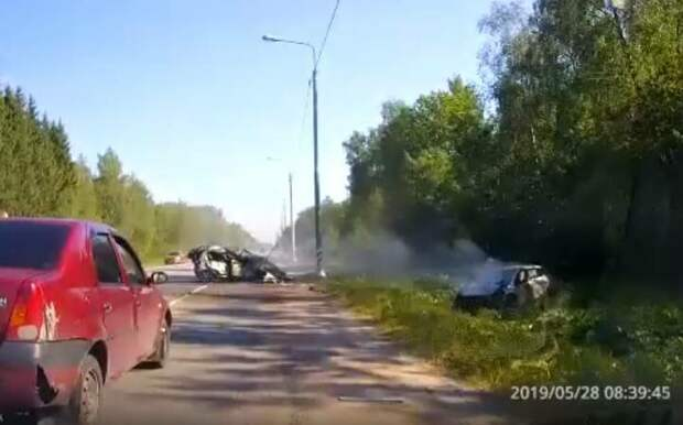 Обочечник убил себя и встречного водителя