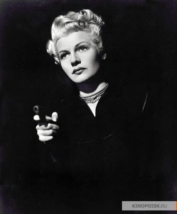Рита Хейворт в фильме «Леди из Шанхая» (1947)