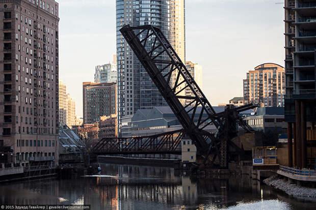 Детали и звуки улиц Чикаго
