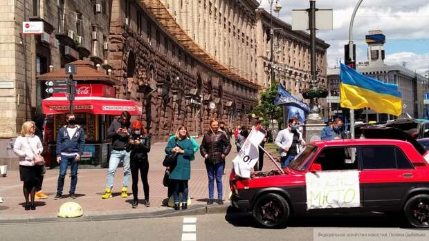 Украина отпустила большую часть трудоспособного населения в Россию