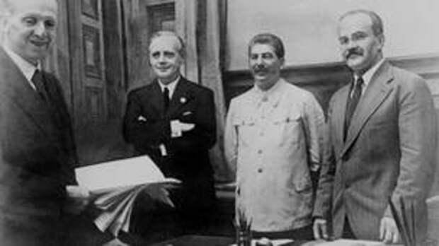 Как Сталин торговал с Гитлером