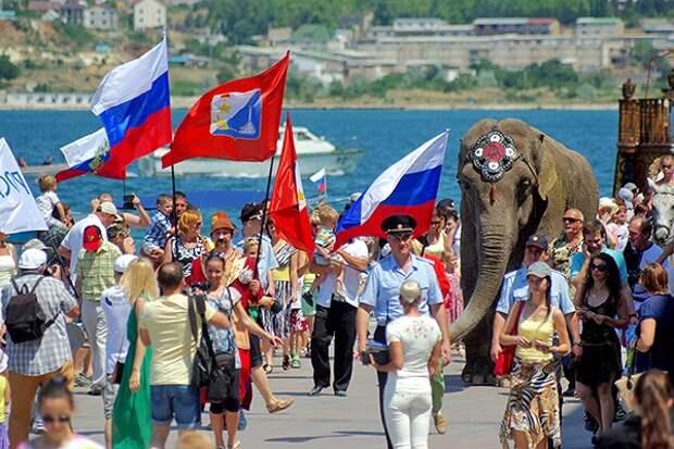 Украинцы, приехавшие в Крым, кусают локти: «Почему нас Путин не забрал?»