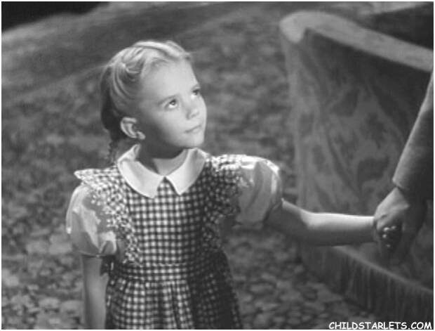 """6-летняя Натали Вуд на съемках фильма """"Вечное завтра"""", весна 1945 года."""
