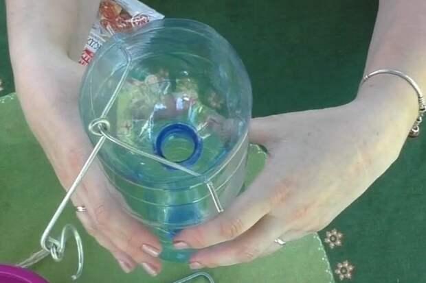 Простая ловушка для комаров из бутылки