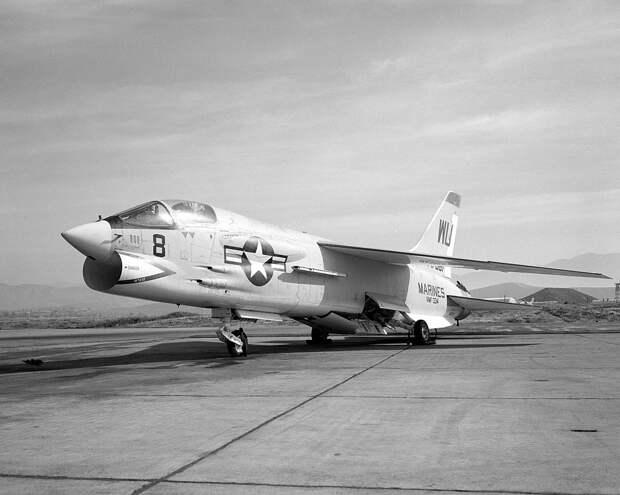 F-8 Crusader. Фото © Wikipedia