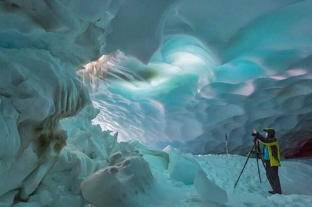 Первозданная Камчатка: снежные пещеры