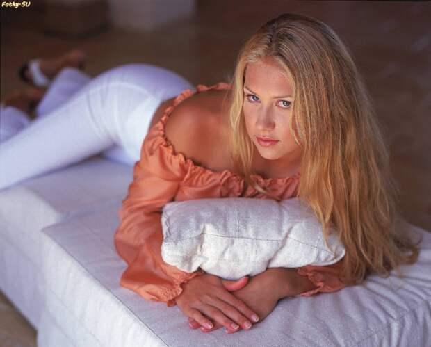 Анна Курникова в фотосессии 2000 года.