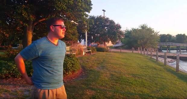 Мужчина с нарушениями зрения впервые видит закат