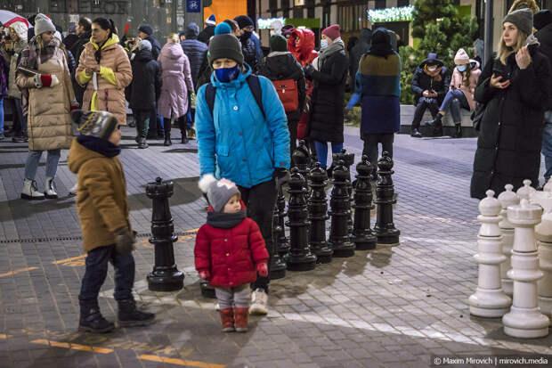 Беларусь, дворы и Гражданское Общество.