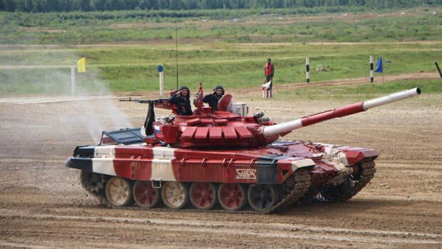 """В США рассказали, как российский Т-72 """"уделал"""" американские """"Абрамсы"""" на мировом рынке"""