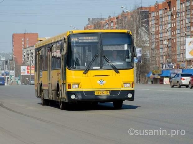 В Ижевске организуют дополнительные рейсы автобусов для желающих посетить кладбища в родительскую субботу