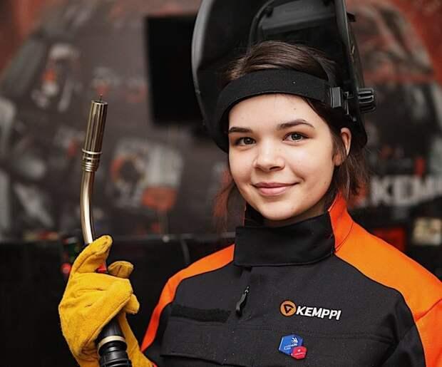 Студентка из Москвы Диана Багаутдинова стала лучшей сварщицей России на конкурсе WorldSkills герои, гордость России, профессии