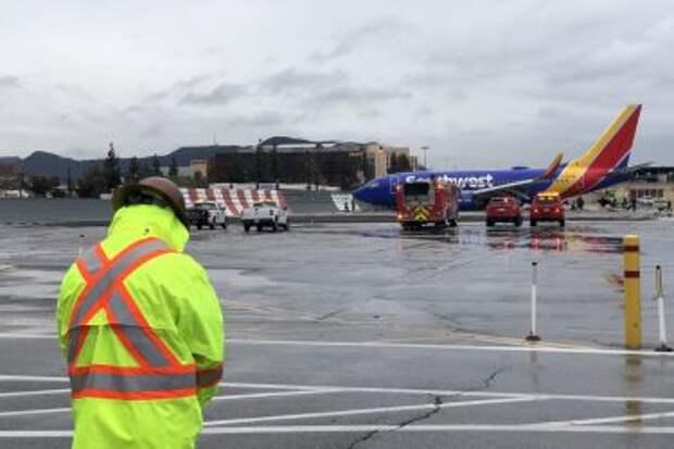 Boeing 737-7H4WL авиакомпании Southwest Airlines, инцидент с рейсом WN278