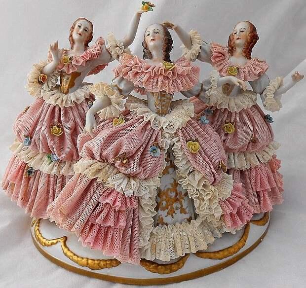 Dresden Elaborate Vintage Porcelain Lace Figurine 3 Dancing Ladies