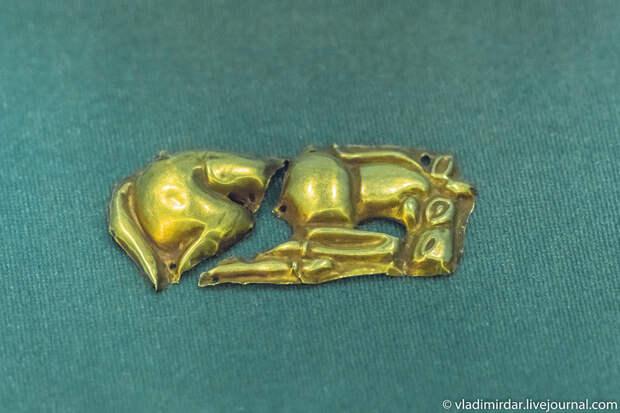 Золотая пластина с изображением кулана. Золото сарматов.