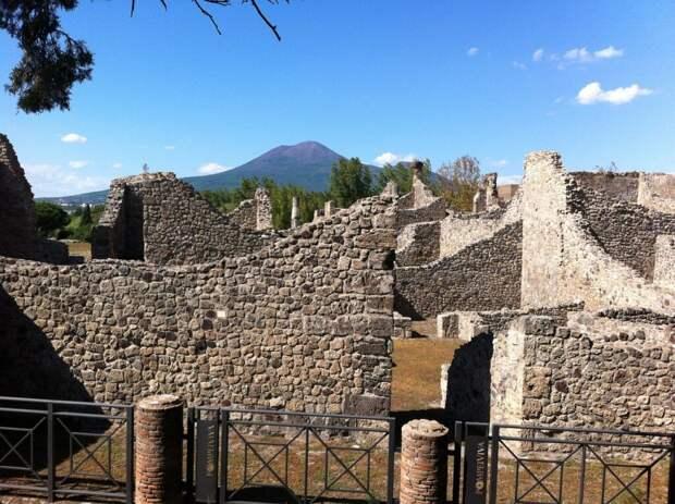 pompeii-431577_1280-1024x765 10 мест, которые стоит увидеть в Италии