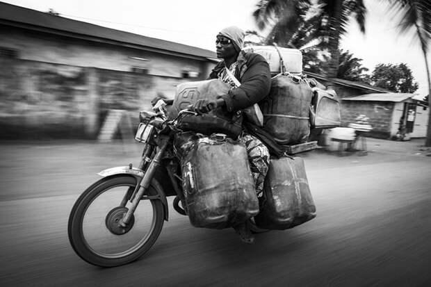Это просто бомба, или Как работает бензиновая мафия Бенина