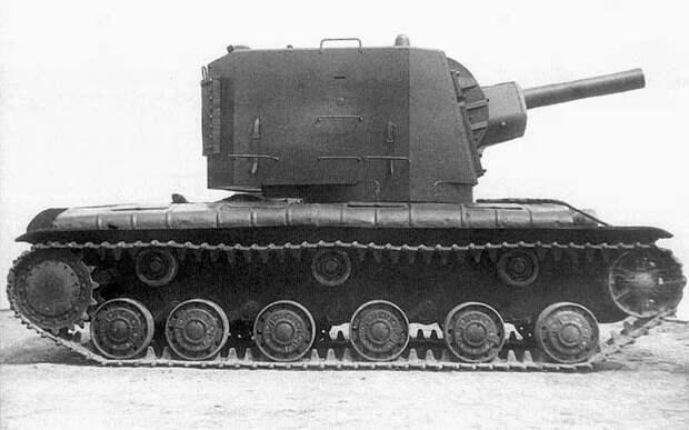 Тяжелый танк КВ-2: неуязвимый гигант Сталина