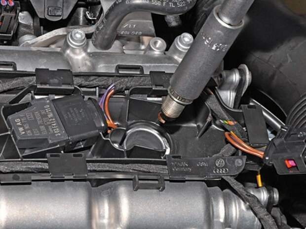 Замена свечей зажигания в двигателе Volkswagen Polo седана