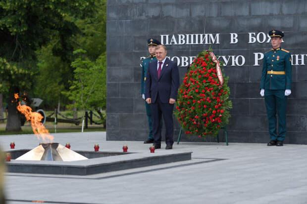 Глава Адыгеи принял участие в мероприятиях, посвященных памяти погибших в годы Великой Отечественной войны