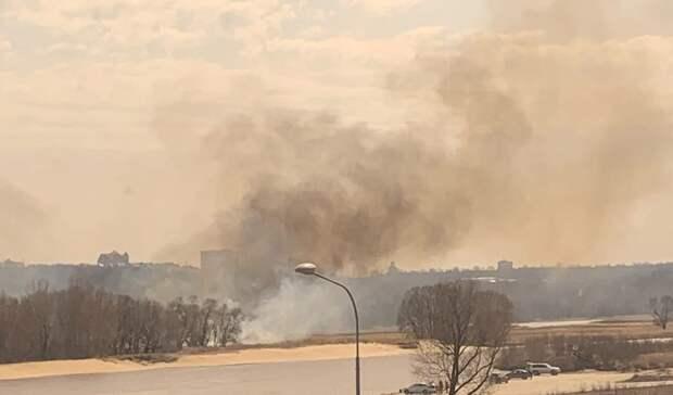 Рядом с«АкБарс Ареной» виден черный дым