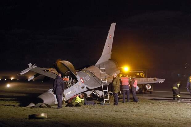 Китайцы нашли ряд недоработок в американских F-22 и F-35 после минувших катастроф