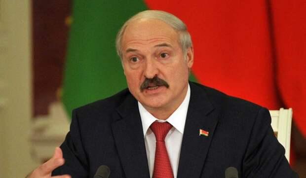 Лукашенко обвинил оппозицию в попытке развалить Белоруссию: Буду наглухо стоять