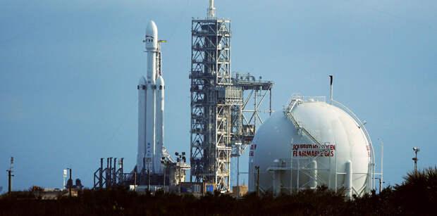 Маск пообещал запустить Falcon Heavy «через неделю или около того»
