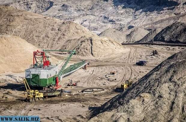Крупнейший в мире открытый карьер по добыче янтаря находится в Калининграде.