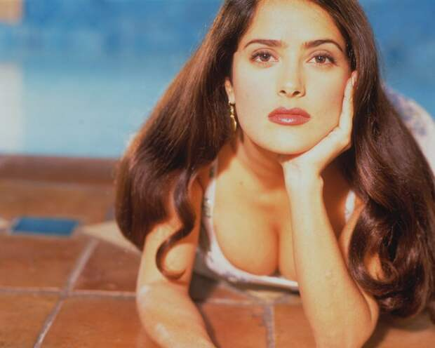 Сальма Хайек  в 1996 году.