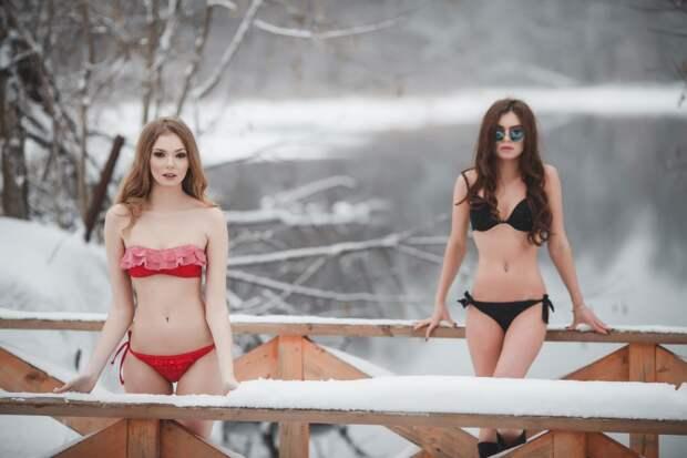 Для этих девушек, холод - неотъемлемая часть работы  девушки, здоровье, прикол, спорт, юмор