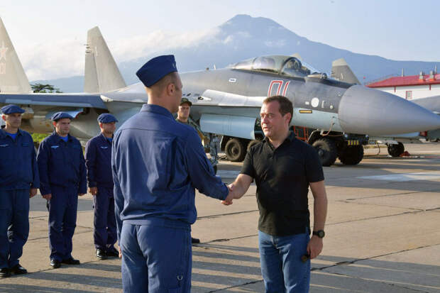 Посадить Собчак и Каспарова? Громкое обещание Медведева