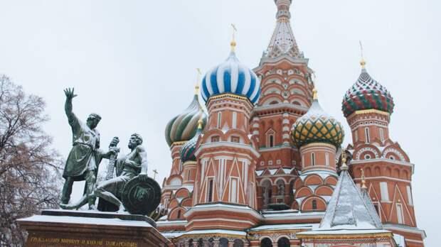 Москву накрыло снегом