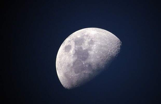 NASA: женщина-астронавт вскоре может ступить на поверхность Луны