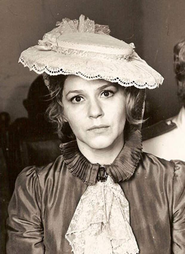 Самые красивые советские актрисы. Анна Каменкова.