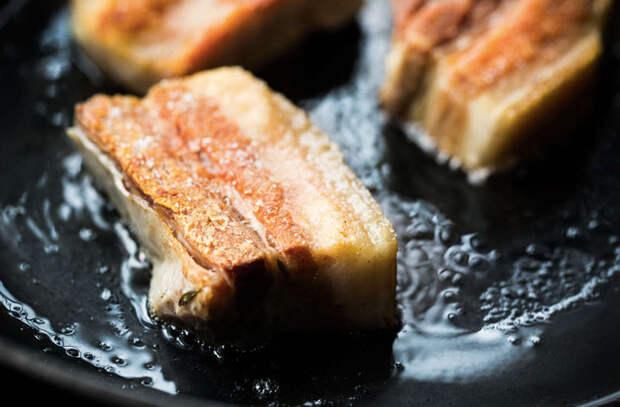 Свинина для ленивых: делаем за полчаса блюдо, которое обычно требует полдня