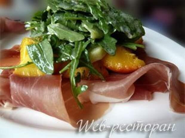 Закуска с салатом и персиками — Рецепты Джейми Оливера