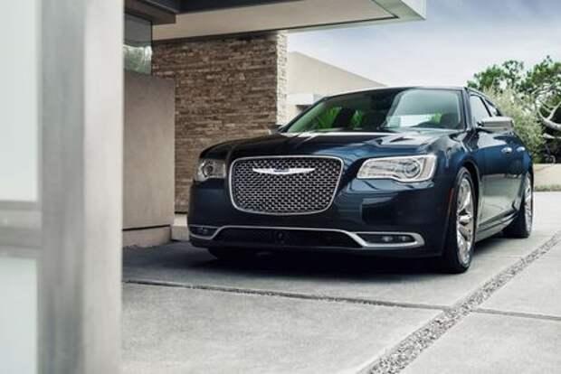 Chrysler 300 вывернут наизнанку
