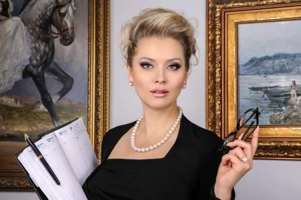 Лена Ленина представила свою новую книгу
