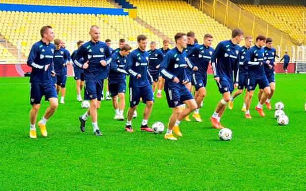 Заболотный, Лесовой и Ерохин тренируются в общей группе в преддверии матча с Турцией