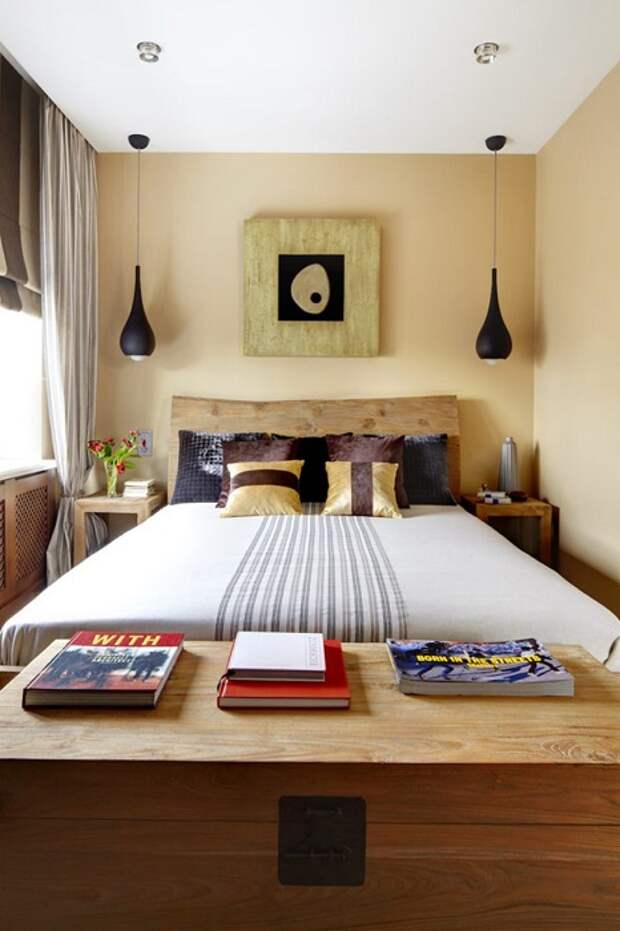 Если добавить несколько оригинальных светильников, это поможет сделать комнату более современной.